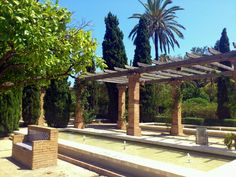 Parque de Benicalap, Valencia (España) Pergola, Outdoor Structures, Places, Valencia Spain, Parks, Arbors, Lugares