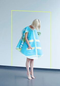 Vera de Pont's Pop Up clothing is assembled without stitches.