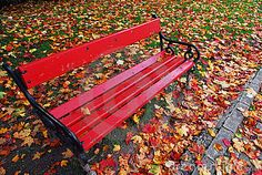 red-bench-park