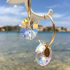 Små vackra örringar från BECK med skimrande Swarovski kristaller - BECK XS Crystal Hoops Ice