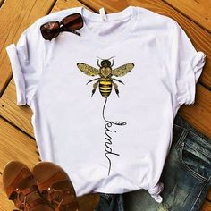 bank modelleri T-Shirts - Bee Kind Women T-Shirt Website Name Website Name Beau T-shirt, T Shirt Painting, Cooler Painting, Shirt Print Design, T Shirt Print, Creative T Shirt Design, Diy Tshirt Designs, Geile T-shirts, Paint Shirts