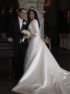 Modest Wedding Dress from #tovamarc WeddingDressFantasy.com and CoutureDeBride.com modest wedding dress sleeves tzniut tznius kallah gown