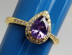 Stunning-Teardrop-Purple-Costume-Ring-Goldtone-Band-with-Accents-Size-8