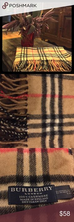 Classic Burberry of London scarf Classic Burberry of London scarf Burberry Accessories Scarves & Wraps