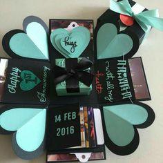 Gift Box Explosion Box With Gift Box, 4 Waterfall In Black & Tiffany Exploding Box For Boyfriend, Exploding Gift Box, Bday Gifts For Him, Surprise Gifts For Him, Surprise Ideas, Birthday Explosion Box, Birthday Box, Album Photo Original, Magic Box