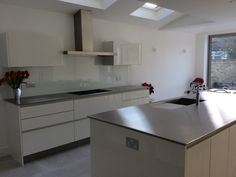 Looking for ideas and insertion for your new kitchen design? Take a look at Stainless Direct UK's gallery of finished brushed stainless steel kitchen images