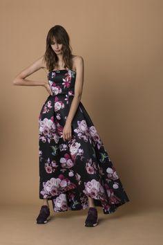 Che stile avremo questa stagione fredda? La collezione Pinko autunno/inverno ci propone uno stile femminile e sofisticato.