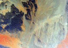 The ISS flying over the Algeria desert. Photo: Samantha Cristoforetti (Credit: ESA/NASA)