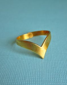 Thorn Vintage Brass Chevron Ring — Eclectic Eccentricity Vintage Jewellery
