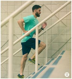 lululemon men's run | take the stairs in lightweight, all-sport gear with anti-stink technology so we don't feel bad when we forget it in the trunk of our car.