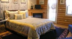 The Grand Living Bed & Breakfast Williams Nestled among scenic mountains in historic Williams, Arizona, this charming log cabin bed and breakfast offers exceptional accommodations, friendly service and easy access to attractions, including Grand Canyon National Park.