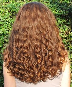 41 Ways to Create Charming Stylish and Curly Hair - SooShell - 41 Ways to Create Charming Stylish and Curly Hair hairstyle, blond hair,curly hair - Blonde Curly Hair, Curly Hair With Bangs, Hairstyles With Bangs, Curly Hair Styles, Natural Hair Styles, Kingston, Mushroom Haircut, Hair Quality, Curly Wigs