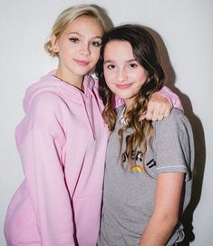 Jordyn jones and Annie Leblanc Annie Rose Cole, Annie Grace, Annie Lablanc, Julianna Grace Leblanc, Hayley Leblanc, Kim Possible Cosplay, The Perfect Daughter, Annie And Hayden, Hayden Summerall