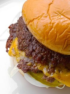 the ultra-smashed burger was born. Same burger size, but twice the amount of crisp, browned crust. Pizza Hamburger, Hamburger Recipes, Beef Recipes, Cooking Recipes, Hamburger Gravy, Hamburger Goulash, Hamburger Stroganoff, Griddle Recipes, Hamburger Patties