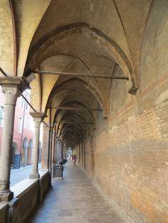 Travel back in time, Padua alleyway