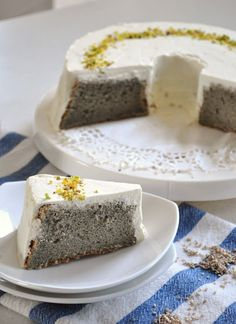 Recipe: Black Sesame Chiffon Cake with Vanilla Frosting|黒ごまシフォンケーキ