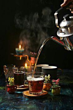 winter is knocking door.So its better to have tea with steam! Arabic Tea, Turkish Tea, Vegan Teas, Cuppa Tea, Tea Art, My Tea, Coffee Love, High Tea, Drinking Tea