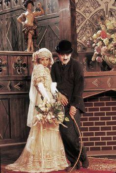 Still of Robert Downey Jr. and Marisa Tomei in Chaplin (1992)