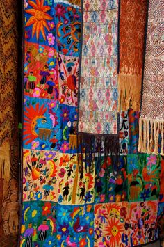 Fabrics are a major player in bohemian design, in fashion as well as home decoration. Starting with this beautiful Guatemalan fabric can give you unlimited inspiration... JW - For more great decorating and style tips follow www.pinterest.com/jaderavenheartw/born-bohemian/
