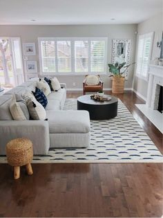 So, I instantly loved this bold rug and bought if for my living room but was really struggling with balancing the room with the right… New Living Room, Home And Living, Home And Deco, Living Room Inspiration, Living Room Designs, Family Room, House Design, Interior Design, House Styles