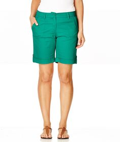 Build effortless off duty looks around Katies canvas shorts. The relaxed fit pair is cut for a mid rise fit - your giftee will love them! Off Duty, Christmas Inspiration, Bermuda Shorts, Pairs, Canvas, Fitness, Style, Fashion, Tela