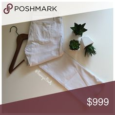 """• Joe's """"Pennie"""" Skinny Boot Cut White Jean • EUC • Mid-Rise • Fits Skinny Through Hip/Thigh • White Wash • Contrast Topstitching • Leather Logo Tab Loop Over Right Rear Pocket • Five Pocket Design • Belt Loop Waistband • Zipper Fly • Button Closure • Style ADKPNE5822 • See Pics for Material Info • Waist 29 • Inseam 31"""" • Hips 36"""" Joe's Jeans Jeans Boot Cut"""
