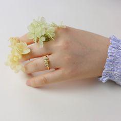 Buttercup flower ring 🌼 TedandMag Jewelry Studio