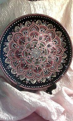 Фотография Mandala Art, Mandala Rocks, Mandala Painting, Dot Painting, Ceramic Painting, Mandala Design, Stone Painting, Point Paint, Painted Plates