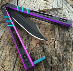 Balisong and all things relating to it! If you are someone who enjoys flipping or just enjoys seeing a Balisong in action then this site is for you. Pretty Knives, Cool Knives, Swords And Daggers, Knives And Swords, Armas Ninja, Cool Swords, Butterfly Knife, Ninja Weapons, Throwing Knives