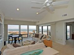 Ocean Club 4409 Villa Isle of Palms (South Carolina) Ocean Club 4409 Villa offers accommodation in Isle of Palms, 21 km from Charleston. The villa comes with air conditioning and free WiFi.  There is a dining area and a kitchen complete with a dishwasher, an oven and microwave.