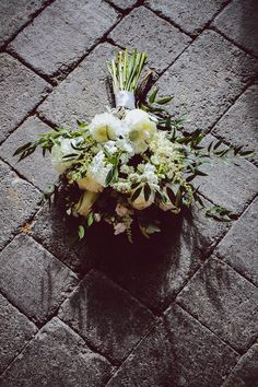 Simple boho style green and cream wild wedding bouquet. See more over on thevow. Boho Bride, Boho Style, Big Day, Wedding Bouquets, Real Weddings, Boho Fashion, Succulents, Castle, Cream