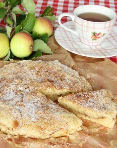 The apple-cinnamon roll cake - Swedish Cinnamon Apples, Cinnamon Rolls, Cinnamon Pie, No Bake Desserts, Dessert Recipes, Swedish Recipes, Apple Recipes, Baked Goods, Food And Drink