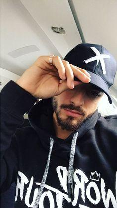 Maluma uploaded by Caroline Costa on We Heart It Mens Fashion Blog, Mens Fashion Suits, Maluma Style, Boy Tumblr, Stylish Men, Men Casual, Maluma Pretty Boy, Eye Candy Men, Selfie Poses