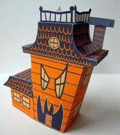 Craft a spooky house with paper and cardboard (25+ Halloween Kids Crafts)