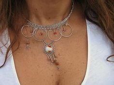 #Halskette mit einem #Anhänger aus #Alpakasilber und roten Steinen, #Folkloreschmuck Folklore, Peru, Chain, Country, Jewelry, Fashion, Accessories, Neck Chain, Silver