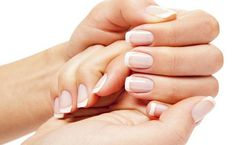Every female want strong nails for her beauty. Strong nails also need all relevant vitamins. Without vitamins you would be unable to get strong nails. Nail Care Routine, Nail Care Tips, Nail Tips, Grow Nails Faster, How To Grow Nails, French Nails, Vitamins For Strong Nails, Healthy Nails, Lifehacks