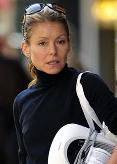 Kelly Ripa - no makeup... she's very pretty, but looks like any of us