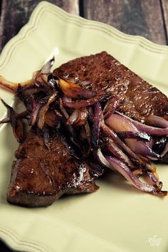 Steak With Caramelized Onions | Paleo Leap