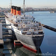 Queen Mary, Long Beach, CA. Mom always wanted to cruise on this ship Haunted Hotel, Most Haunted, Long Beach, Cool Places To Visit, Great Places, Queen Mary Ship, Cunard Ships, Biggest Cruise Ship, Charles Trenet