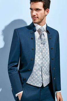 Fashion Sense For Men, Mens Fashion Suits, Mens Suits, Wedding Men, Wedding Suits, Groom And Groomsmen Style, Men Wearing Dresses, Slim Fit Suits, Suit Up