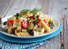 If you love Greek flavors and feta cheese, this dairy-free, grain-free Greek Pasta Salad will wow you--and all your guests! Easy to make and totally delicious. Heart Healthy Recipes, Vegan Recipes Easy, Delicious Recipes, Free Recipes, Dairy Free, Nut Free, Grain Free, Gluten Free, Anti Candida Diet