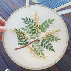 broderie vegetal floral  feuilles fougères fern with flowers embroidery