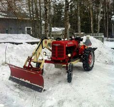 FARMALL Super A with IH 1000 Side-Arm Loader