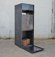 Steel manufacturing and fabrication in Austin, Texas. Detailed craftsmen who work with iron, metal & steel. Architectural finishes and construction. Modern Mailbox, Metal Mailbox, Drop Box Ideas, Package Mailbox, Parcel Drop Box, Architectural Mailboxes, House Gate Design, Custom Metal Signs, Barn Living