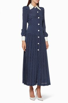 Luxury & Vintage Madrid, offers you the best selection of contemporary and vintage clothes from around the world, discover our luxury brands, Express delivery! Modest Clothing, Modest Dresses, Modest Outfits, Women's Clothing, Lace Dress With Sleeves, Silk Dress, Polka Dot Maxi Dresses, African Dresses For Women, Formal Looks