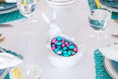 Host an Easter Lunch - Fashionable Hostess   Fashionable Hostess