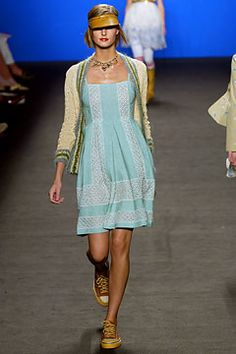 Anna Sui | Spring 2003 Ready-to-Wear Collection | Style.com