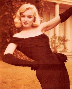Iconic beauties (Marilyn Monroe, Kirsten Dunst, etc. Marilyn Monroe Stil, Estilo Marilyn Monroe, Marilyn Monroe Wallpaper, Marilyn Monroe Photos, Hollywood Glamour, Old Hollywood, Hollywood Actresses, 50s Actresses, Divas