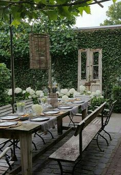 39 Awesome Outdoor Dining Room with Rural Style - Outdoor Rooms Outdoor Rooms, Outdoor Tables, Outdoor Gardens, Outdoor Decor, Outdoor Seating, Rustic Outdoor, Backyard Patio, Backyard Landscaping, Garden Furniture