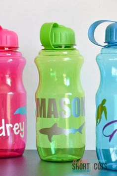 A fun dollar store DIY project that is perfect for the whole family. Even parties! Check out these easy Personalized Water Bottles. Great for gifts too!